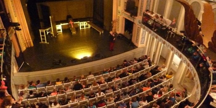 """""""R@usgemobbt 2.0"""" – Ein Theaterprojekt"""